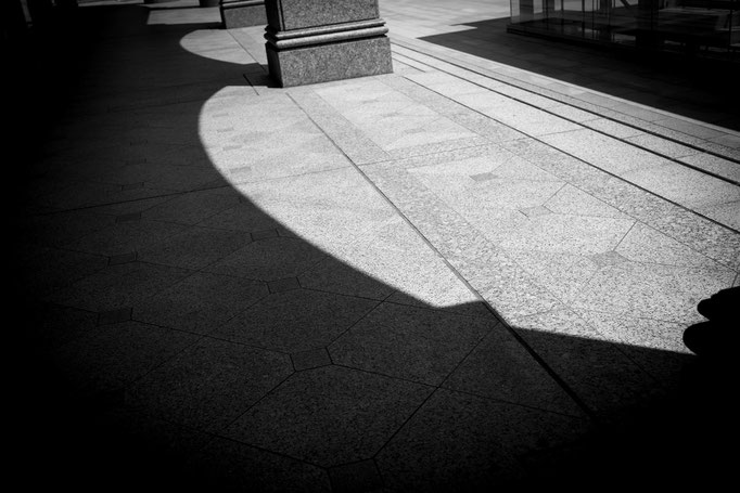 光と影 札幌駅