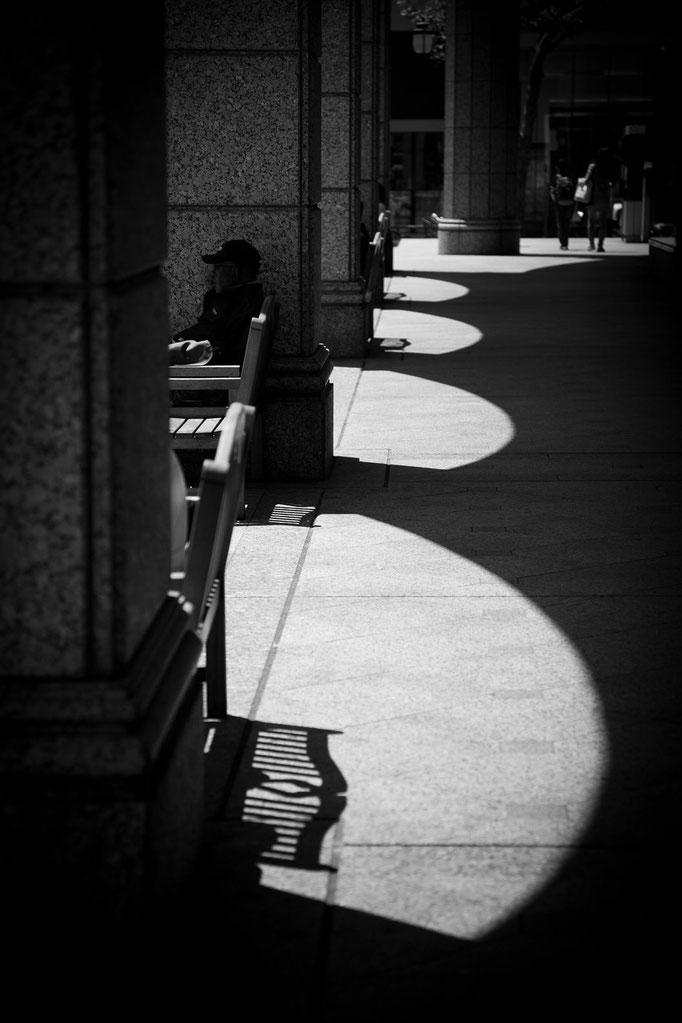 光と影 札幌駅2