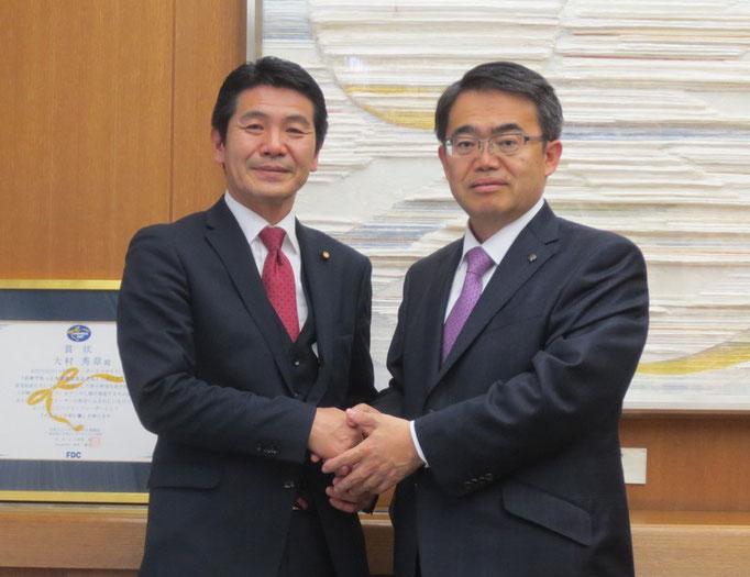 愛知県知事と