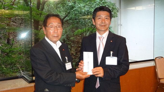 広島市議会に土砂災害義援金を手渡し
