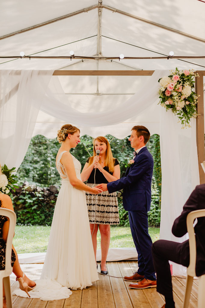 L'échange des consentements - Votre cérémonie laïque by Charlotte - crédit photo: Mélanie Vaury