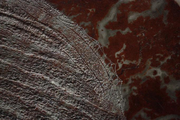 Top of, gravure sur marbre au blanc de titane, 50x50 cm, 2017.