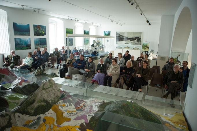 Ein weiteres Highlight war die Filmvorführung im Saal des Kammerhofmuseums (Foto: Helmut Humer)