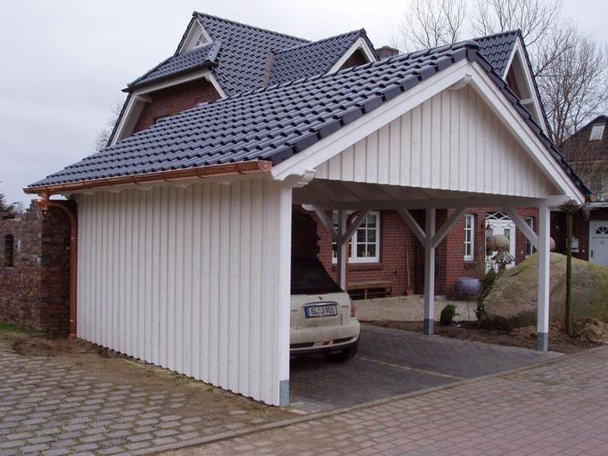 Satteldach-Carport in weiß - Zimmerei und Dachdeckerbetrieb Andreas ...
