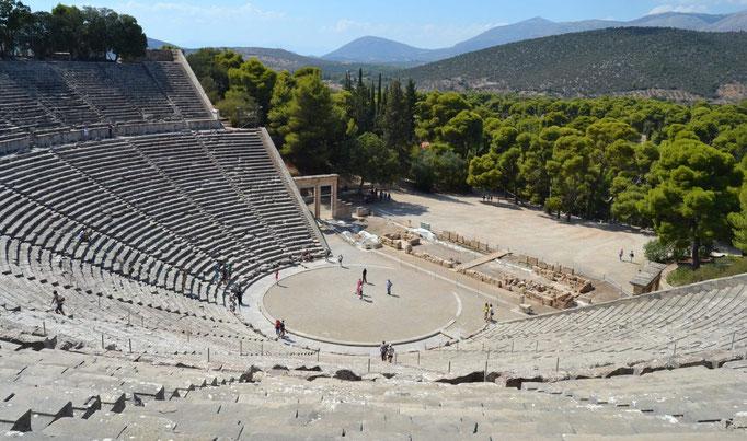 Théâtre d'Epidaure, Grèce, IVe siècle ané, 55 gradins, 12000 spectateurs