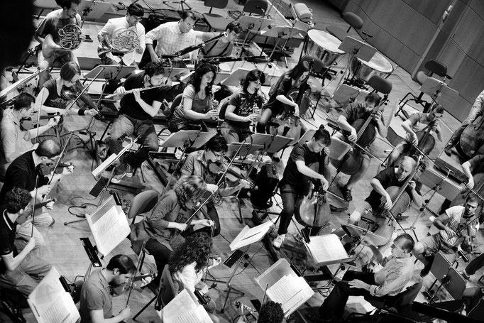 Abbado with Orchestra Mozart, 2011 © courtesy Contrasto/Mattia Zoppellaro