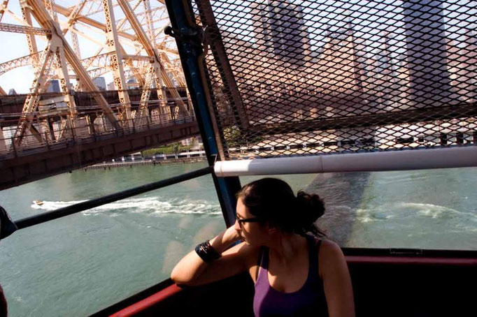 On the Roosvelt Island air-tram, view of Manhattan over the East River. New York City, Usa, 2009