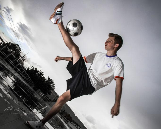 Shin Stall - Ricardo Rehländer Freestyle Football