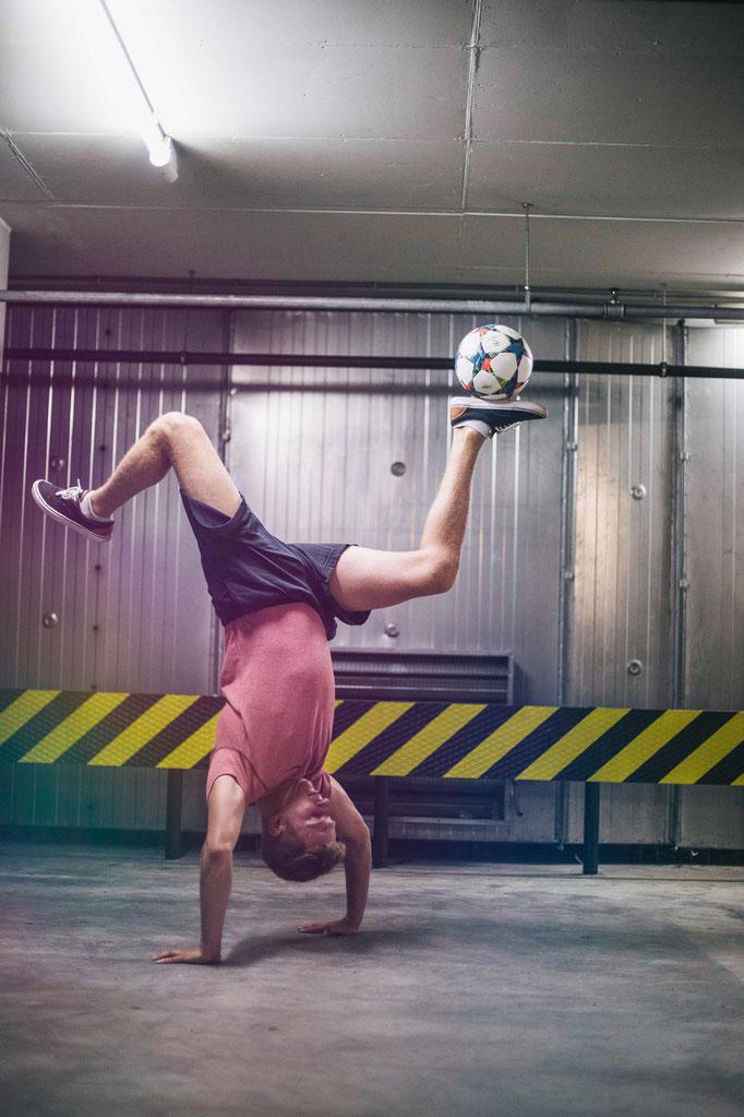 Handstand Jordan Stall Ricardo Rehländer Freestyle Football