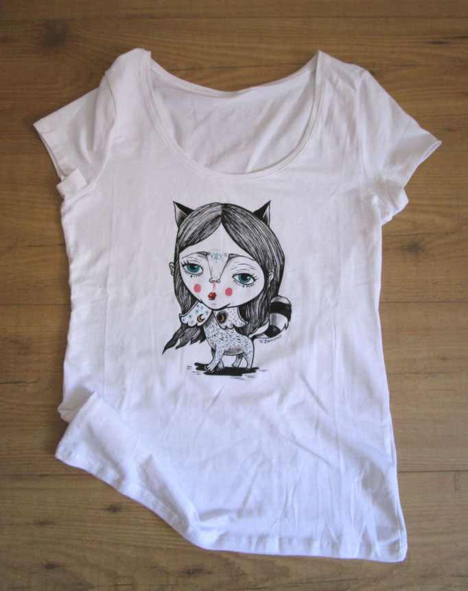 Sold - T-shirt hand painted on sale