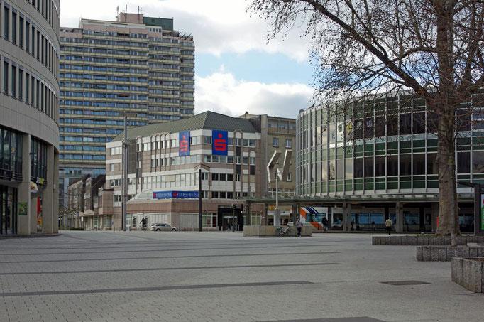 "Blick über den Berliner Platz zur ""Tortenschachtel"""