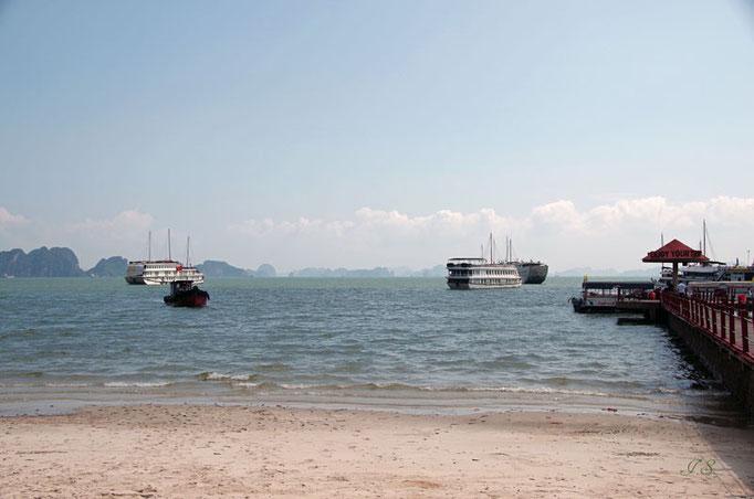 Ankunft in der Halong Bucht