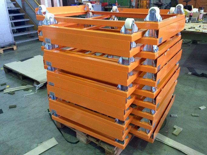 Rollwagen für Europaletten (hier gestapelt)