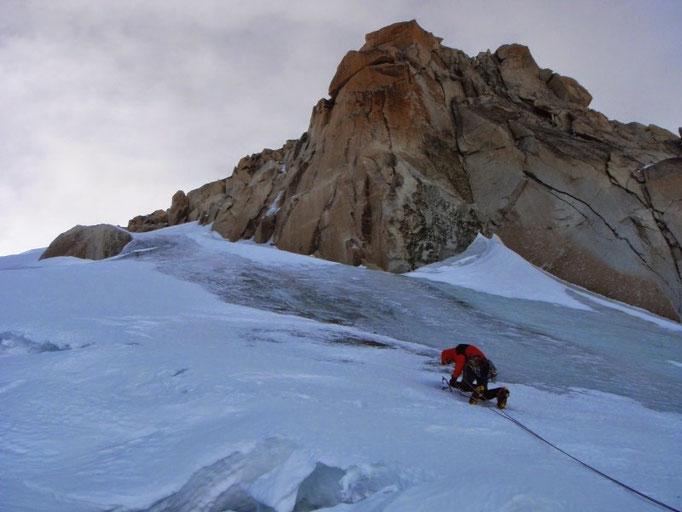Eisklettern, Eisgkletter Kurse, Alpinkurse, Eisklettern Ausbildung, Eisklettern Chamonix, Eisklettern Mont Blanc, Eiskletterkurse