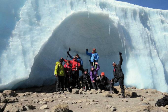 Eiskathedrale im Krater, Kilimanjaro besteigen, Detailinfos Kilimanjaro, Auf den Kilimanjaro, Bergtour Kilimanjaro