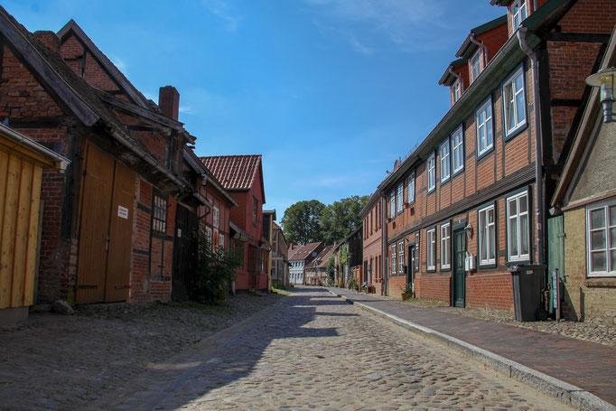 Herzogtum Lauenburg -Malerische Altstadt direkt an der Elbe.