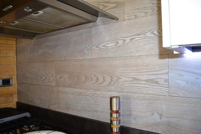 Rivestimento in Tavola per parete Cucina