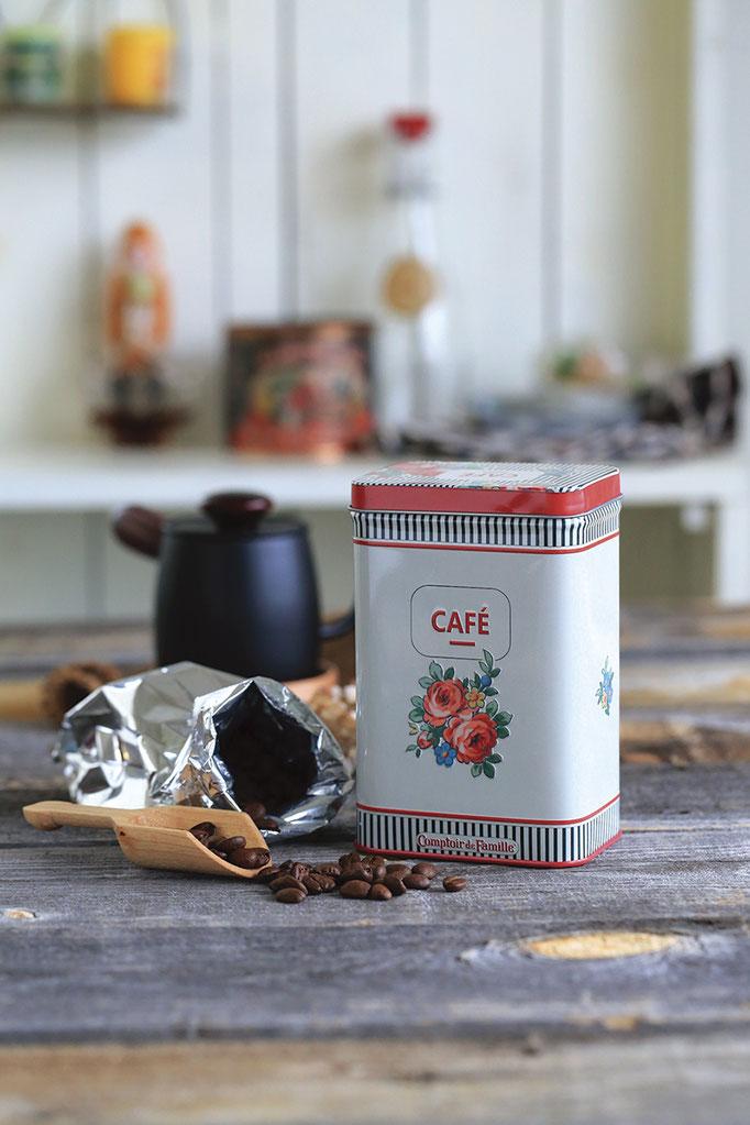 新鮮な珈琲豆は 可愛い缶に香りごとしっかり閉じ込めて・・・・。
