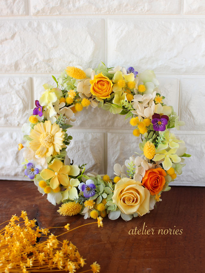 Viola ビオラ ミモザとビオラの黄色いリース