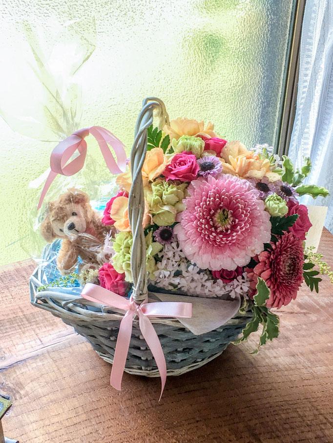 フレッシュフラワークラス プレゼントの花かご