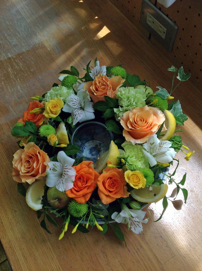 フレッシュフラワークラス フルーツと花のテーブルリース