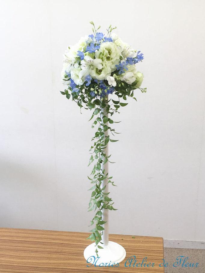 ウェディングの花 トルコキキョウのキャスケードブーケ