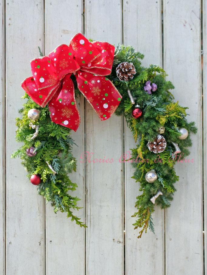 クリスマス馬蹄形のリース