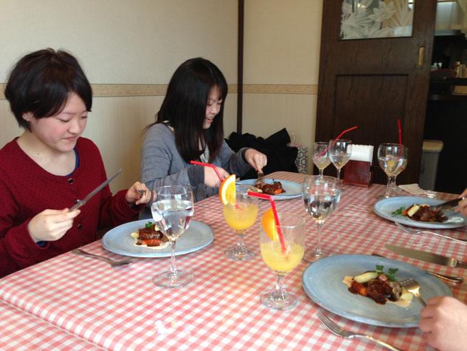 進学の決まった高校三年生とのお別れの会食