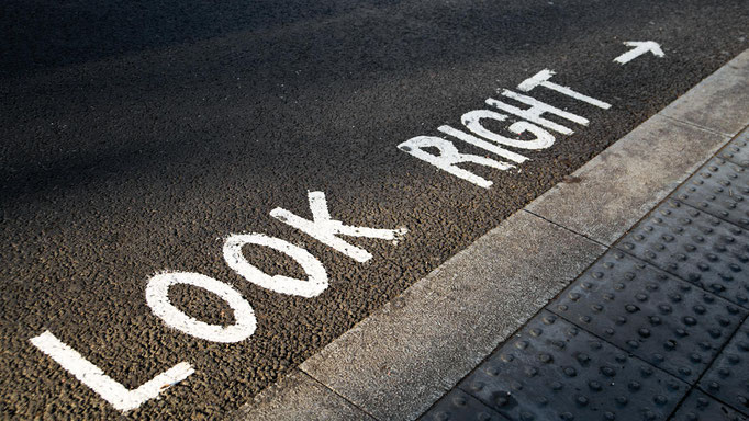 Peter: Look Right