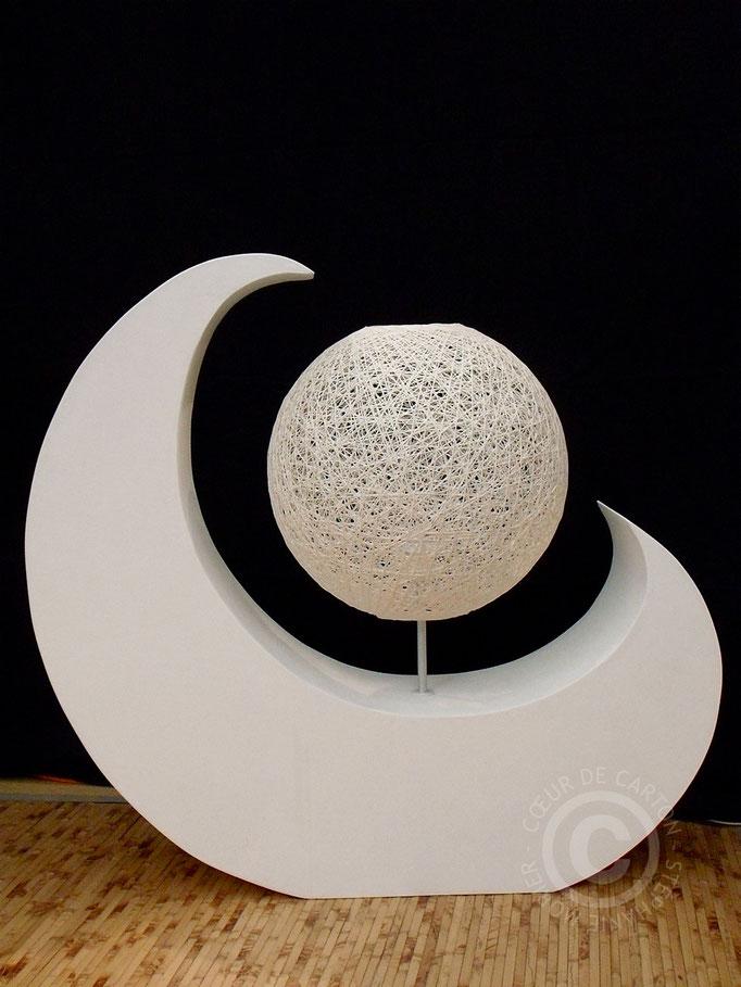 """Lampe en carton """"Lune Blanche"""" - L. 88 cm, h. 83 cm, l. 22cm"""