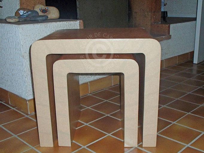 "Tables gigogne en carton (Cf. ""Sur mesure"")"