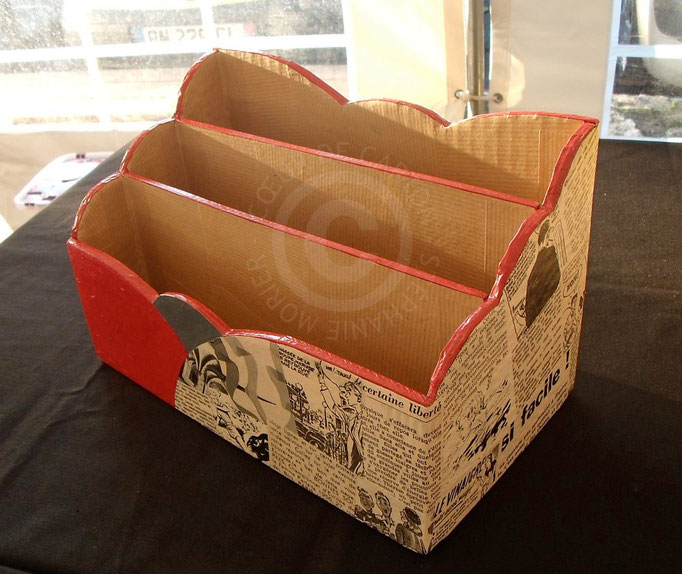 Range-courrier en carton