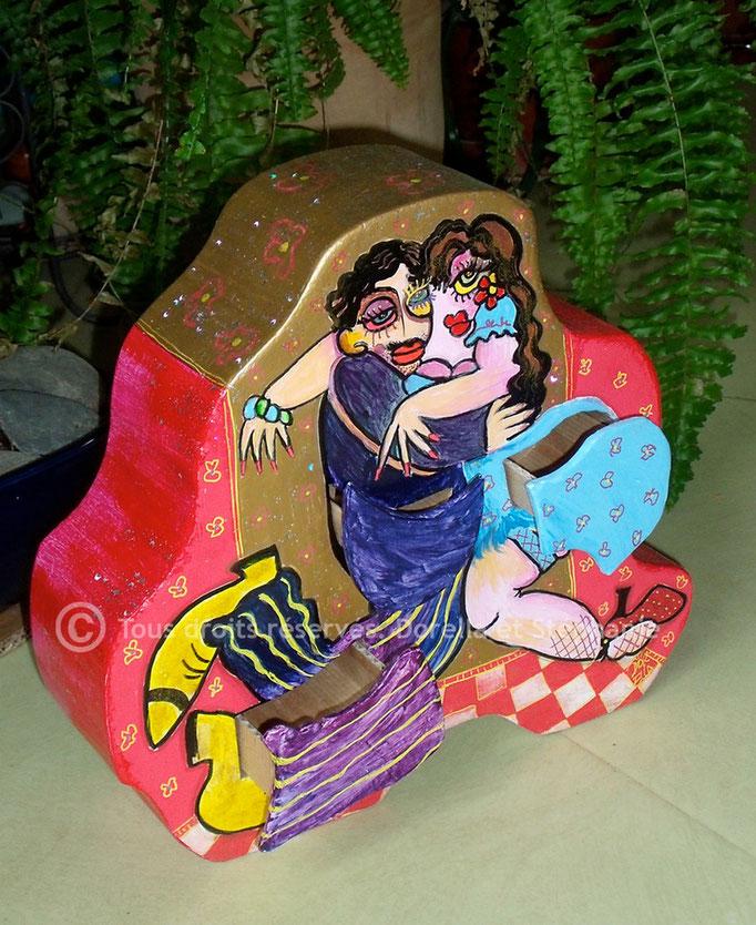 Boîte à secrets, décorée par Dorella Gigliotti (voir rubrique Rencontres)