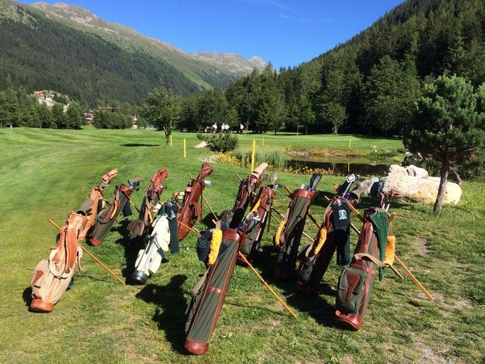Genussvolles Golfspiel im Swiss Hickory Golf Club