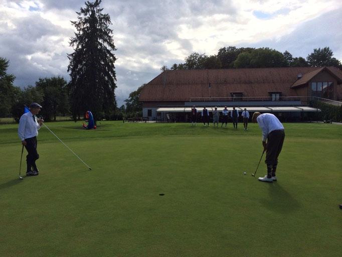 Bis zum letzten Putt Genussvolles Golfspiel im Swiss Hickory Golf Club