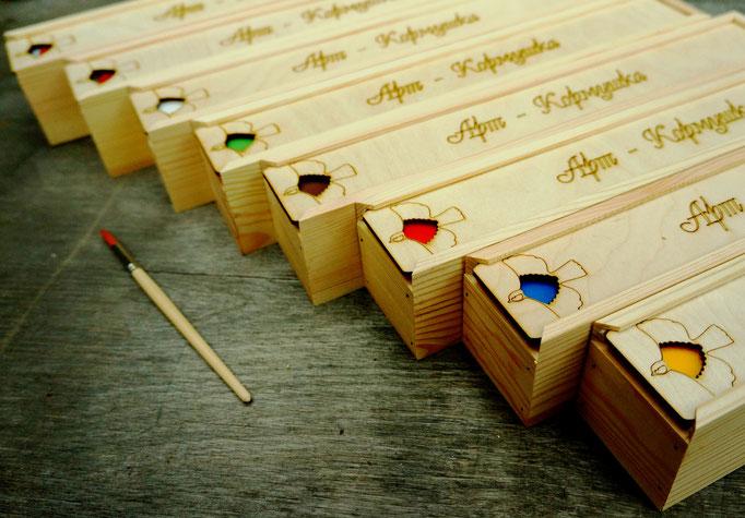 Подарочные наборы акриловых красок для росписи.