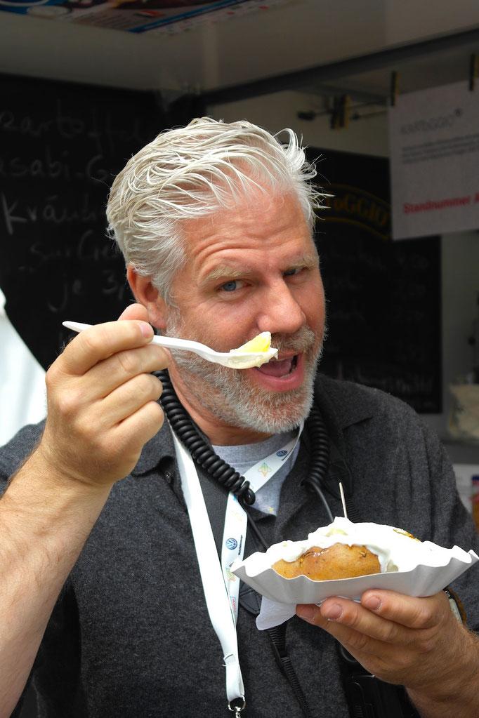 Henning Scheffen - ein weiterer Fan unsrer heißen Ofenkartoffel