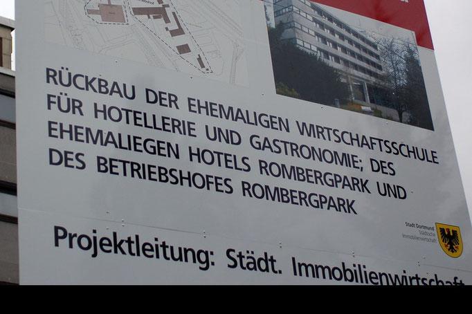Abriss der alten Hotelfachschule im Botanischen Garten Rombergpark, Dortmund  (März 2008)