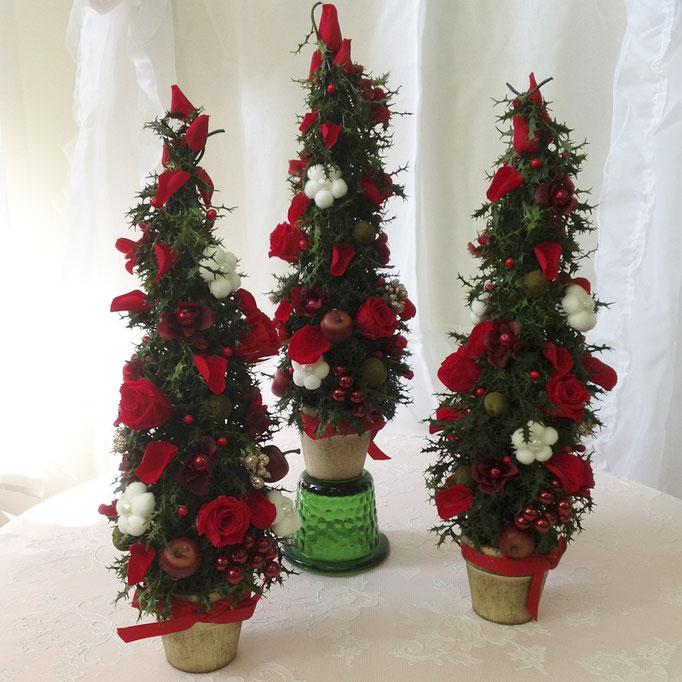 プリザーブドフラワーのクリスマスツリーアレンジオーナメント