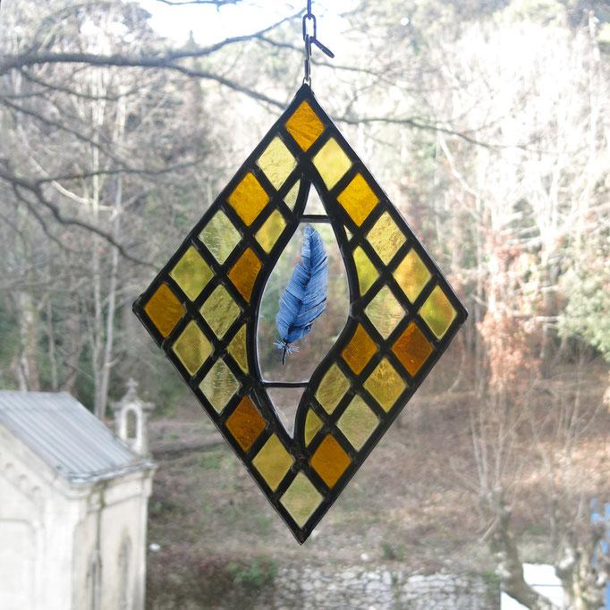 """Sun cactcher en vitrail """"losange à la plume"""" (peinture à la grisaille), env. 35cm de haut"""