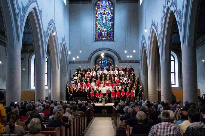 Gesamtchor: Kinderchor Ittigen, Chor BOLLITT'o misto, MELOS CHOR BERN, Chiao-Ai Chor Bern, U-Chor Bern