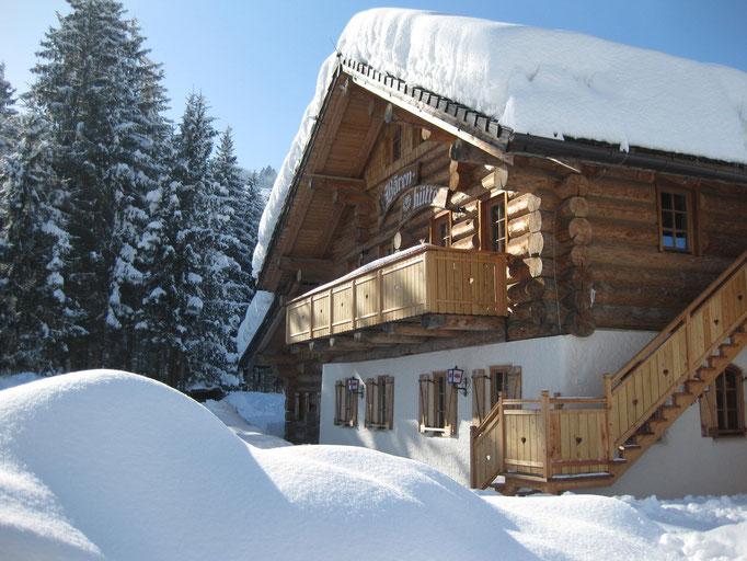 Die Bärenhütte im Winter