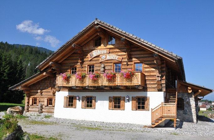 Die Bärenhütte im Sommer