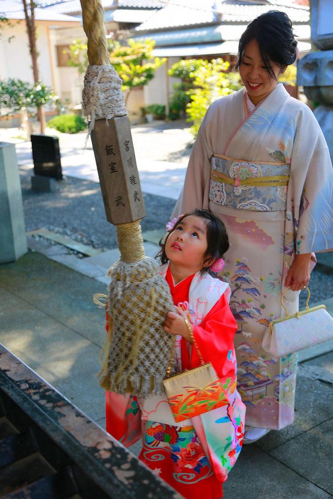 3歳七五三稲積神社境内写真