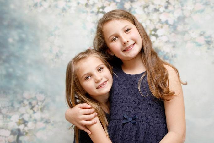 Geschwisterfotografie, zwei Schwestern, Lenzburg