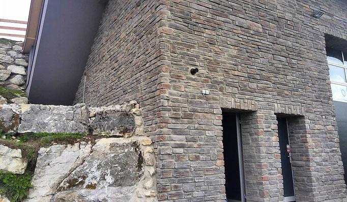 Rustikale Fassadengestaltung Rusty Graystone