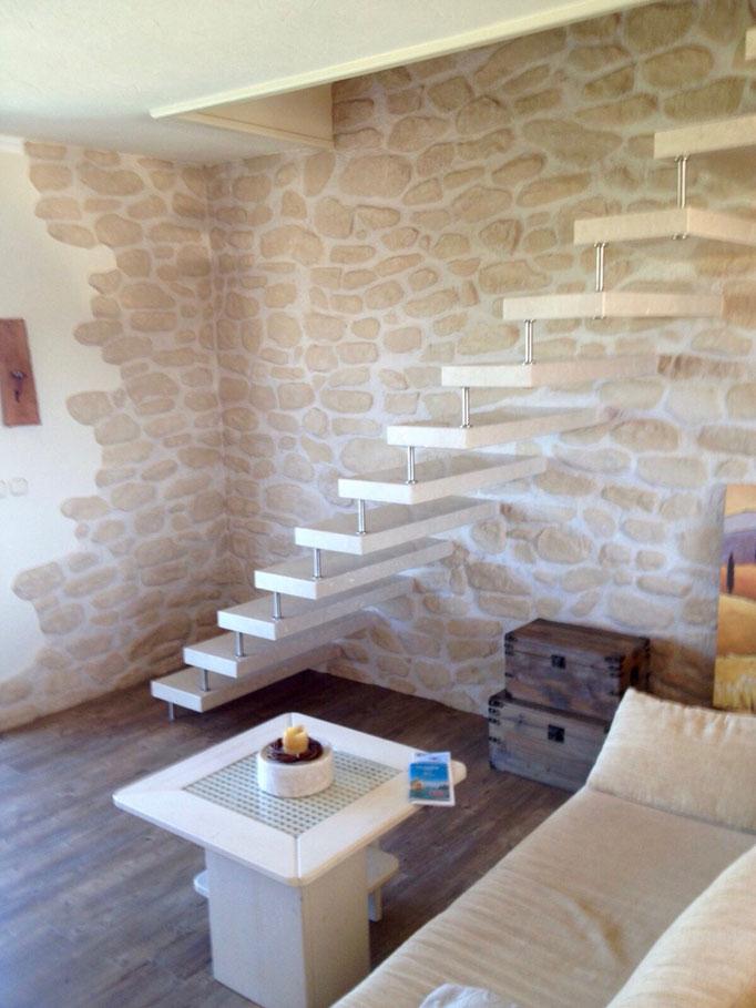 Gestaltung von Wänden mit Naturstein, Böden und Treppensanierung