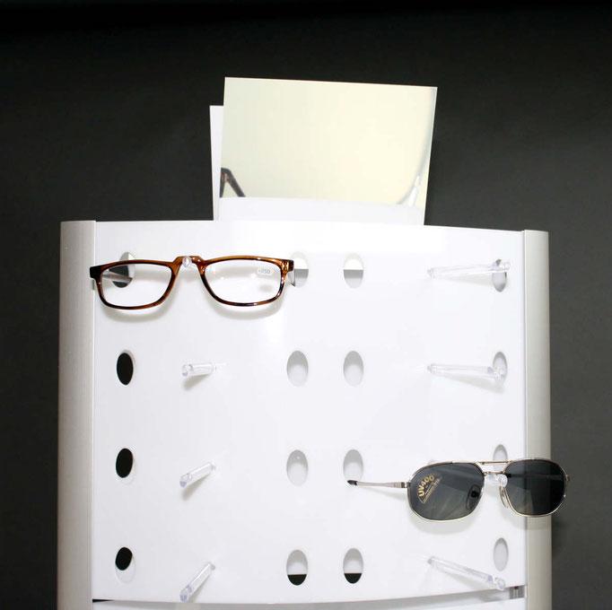 gelaserte Aussparungen für die Brillenbügel