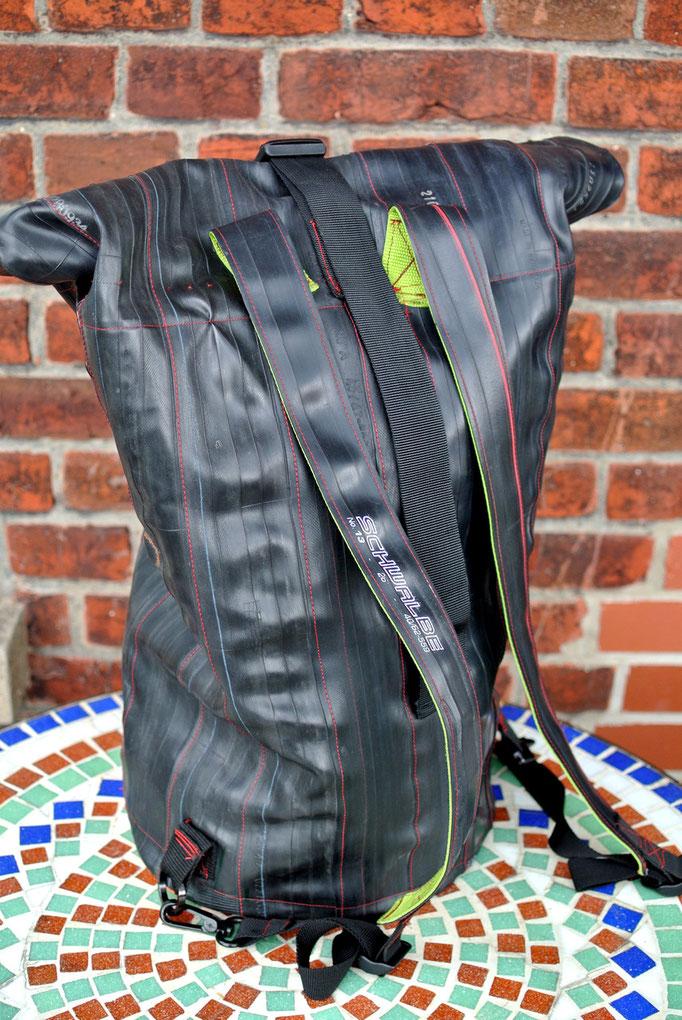 Fahrrad upcycling-fahrradmöbel-fahrad rucksack- upcycling - backpack - fahrradschlauch-shepherds world