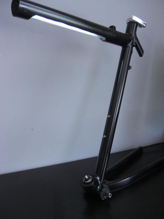 shepherds world - Schreibtischlampe - lampe - Fahrrad upcycling-fahrradmöbel